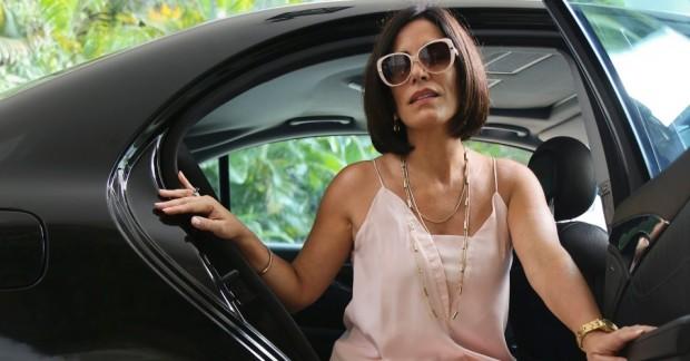 gloria-pires-vive-a-poderosa-dermatologista-paula-na-comedia-linda-de-morrer-1415740607517_956x500