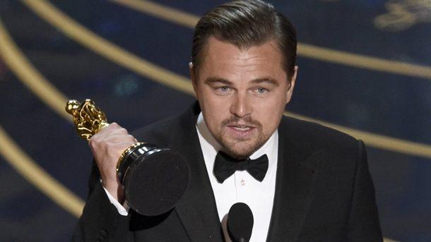 Leonardo Dicaprio recebendo Oscar